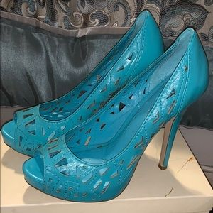 Teal like new heels